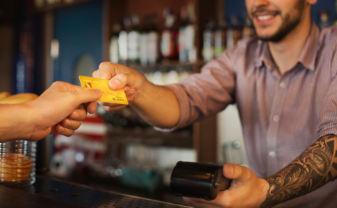 How to Choose a Bar POS System