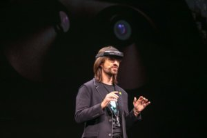 image for Microsoft Technical Fellow Alex Kipman demonstrates the capabilities of the HoloLens 2. / Credit: Microsoft