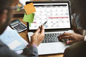 Pros and Cons of Compressed Work Schedule