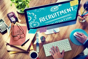 Small Business Guide to Recruiting Etiquette