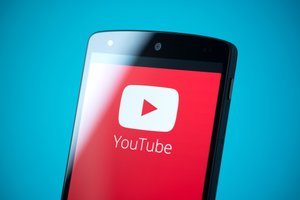 YouTube Celebrities You Should Be Following for Your Business