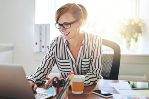 How to Turn Your Side Hustle Into a Full-Time Business