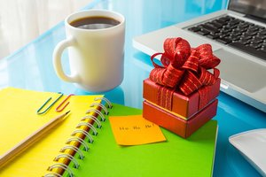 'Tis the Season: Most Employers Approve of Office Gift Exchanges