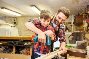 7 Businesses You Can Start With Your Kids