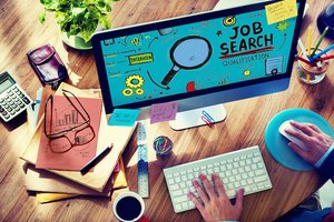 Job Hunters Favor Online Search to Networking