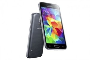 image for The most obvious different between the Galaxy S5 and the S5 Mini is screen size.  / Credit: Samsung