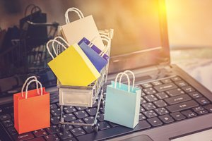 How to Beat 4 Big Challenges for Small E-Commerce Retailers
