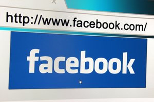 Facebook Debuts Starred Reviews on Business Pages