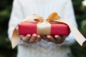 Holiday Marketing Ideas That Won't Break the Bank