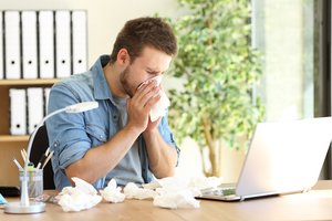 4 Tips to Avoid Spreading the Flu at Work