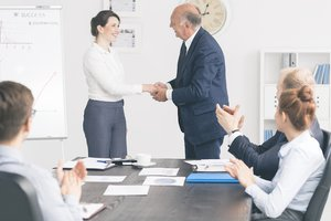 For an Engaged Team, Encourage Employees to Recognize Others