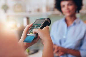 Credit Card Networks Don't Require Receipt Signatures. Should You?