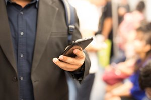 How to Choose the Best Business Smartphone