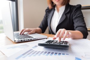 Accountant vs  Bookkeeper: What Do They Do for a Business?