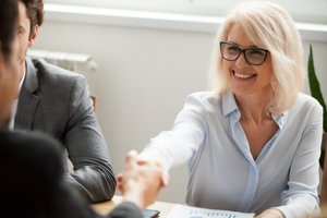 Tips for women on how to negotiate salary