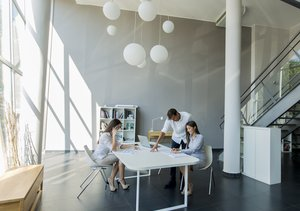 interesting office spaces medium sized tech giants like google have pioneered fun interesting office spaces heres how to include those benefits in your own workplace innovative office designs businesscom