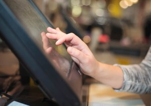 >8 Essential POS System Features for Your Retail Business