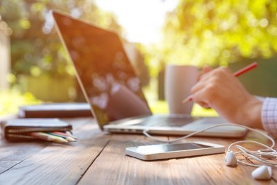 25 Companies That Will Let You Work from Home