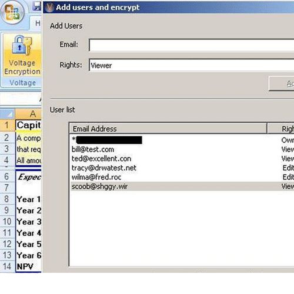 HP SecureMail image: You can control who has access to encrypted files by selecting appropriate users.