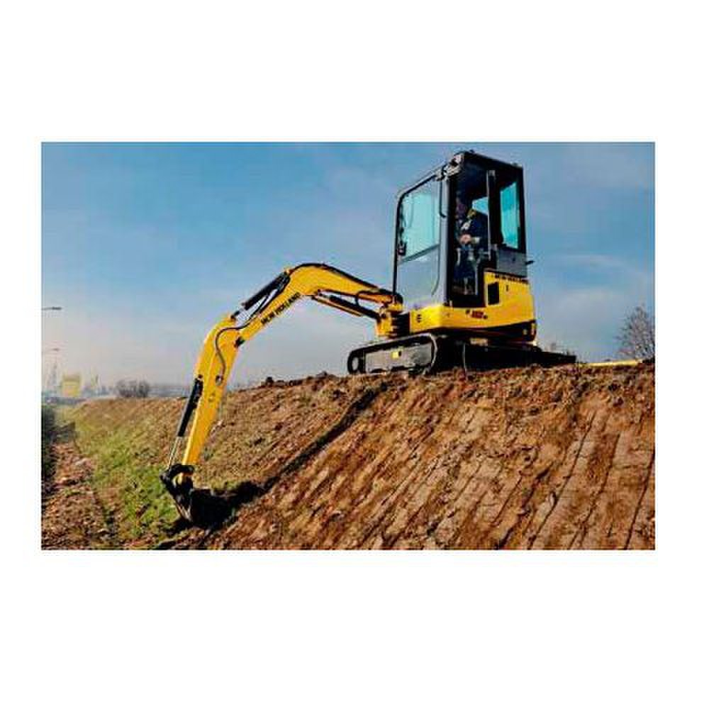 New Holland E18B image: The machine can achieve a speed of 2,100 rpm.