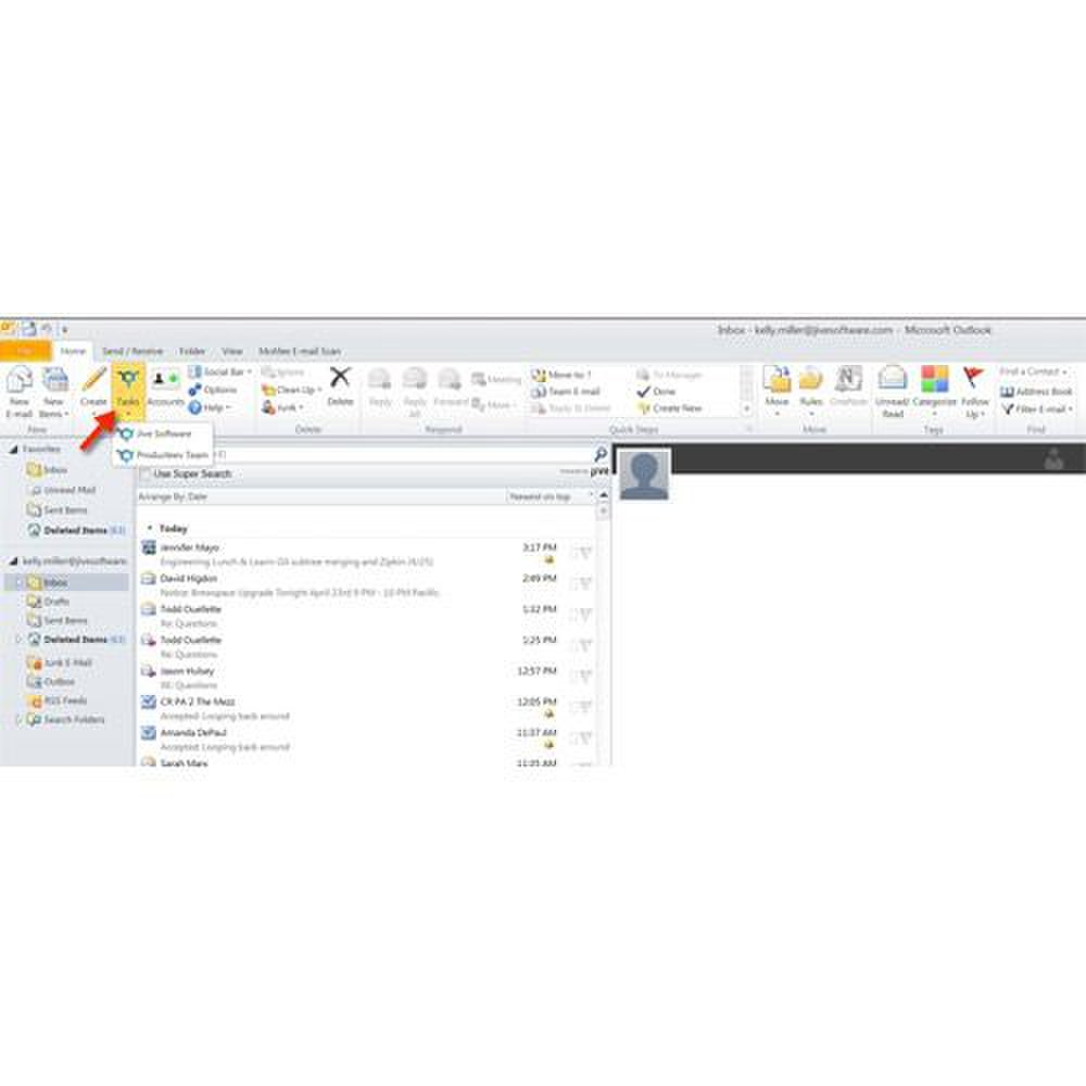 Producteev image: The program integrates with Outlook so that you can set tasks from your email.