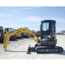Kobelco SK35SR-5 image: The engine on this excavator has 28.4 horsepower and a rev of 2,400 rpm.