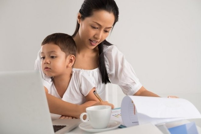 working-mom-with-kid
